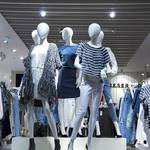 量産型と呼ばれる服の特徴は?量産型な服を着るメリットとデメリット
