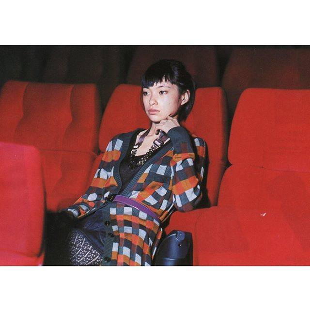 "Kasumi Sugano on Instagram: "" ヴィンテージ風カーディガンがお似合いの  太田莉菜ちゃん❤️💚🧡  ・  ・  ・  ・  ・  #stylist #styling #styledbyme #mywork #archive #fashionstylist #photographer…"" (376598)"