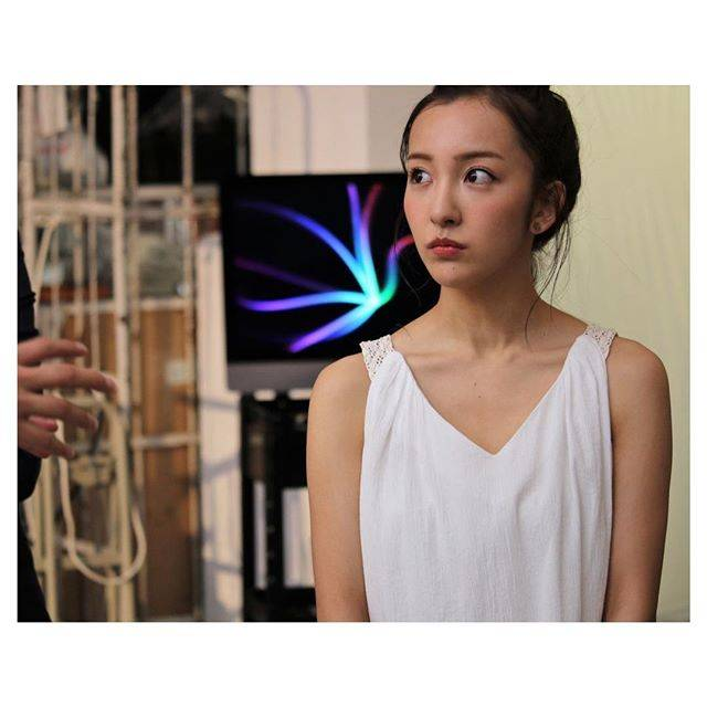 "板野友美 on Instagram: ""😶??💭"" (558822)"