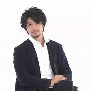 """Hanaka04 on Instagram: """"今日は仕事はおやすみでした。最近、忙しくて溜め込んでた映画工房をまとめて鑑賞。この工さんがどストライク♡スーツ姿がさまになります。#斎藤工#斎藤工スーツ#映画工房 #スーツ萌え #斎藤工かっこいい"""" (625555)"""