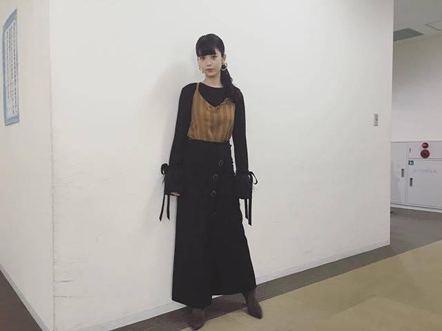 """馬場ふみか on Instagram: """".載せ忘れてたネプリーグの衣装☺︎ top,skirt/SAINT SINcamisole/HOUSE_COMMUNEearrings/PAMEO POSEring/e.m.boots/EVOL"""" (641606)"""