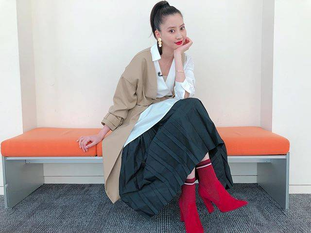 "Mayuko Kawakita 河北麻友子 on Instagram: ""FASHIONDRESS: ENFOLDACCESSORIES: NOJESSBOOTS: DIANA#FASHION #衣装"" (652384)"