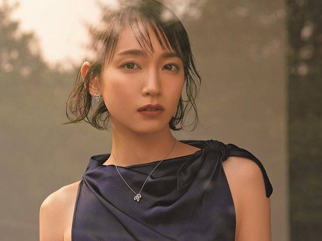 "吉岡里帆 on Instagram: """"Sweet"" 7月号harrywinston *#ジュエリー@sweet_editors @harrywinston"" (656110)"