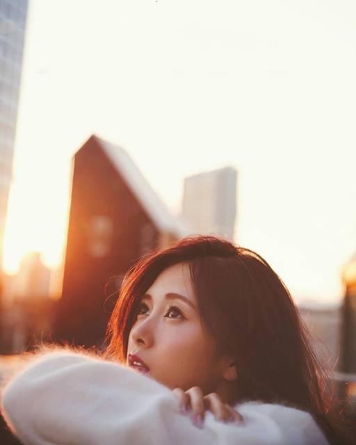"""白石麻衣  ⊿  西野七瀬 on Instagram: """"..土日って乃木坂に会える!明日がんばろ💪..しろまいって呼ばれるの嫌い😠.会場で見かけてもしろまいって呼ばないでね、知ってる方は、.おやすみ😴#白石麻衣#まいやん#乃木坂46 #nogizaka46"""" (660352)"""
