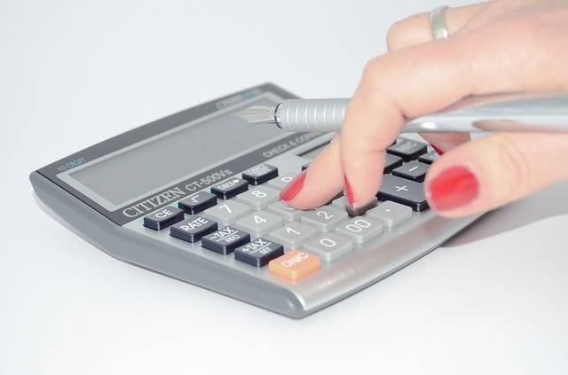 Calculator The Hand Calculate · Free photo on Pixabay (32205)