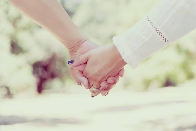 Hands Holding People - Free photo on Pixabay (77335)