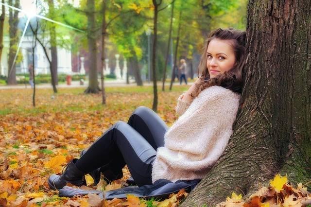 Girl Lying Down In The Park - Free photo on Pixabay (80545)