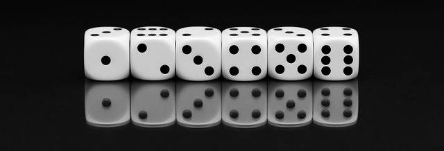 Cube Roll The Dice Play - Free photo on Pixabay (92638)