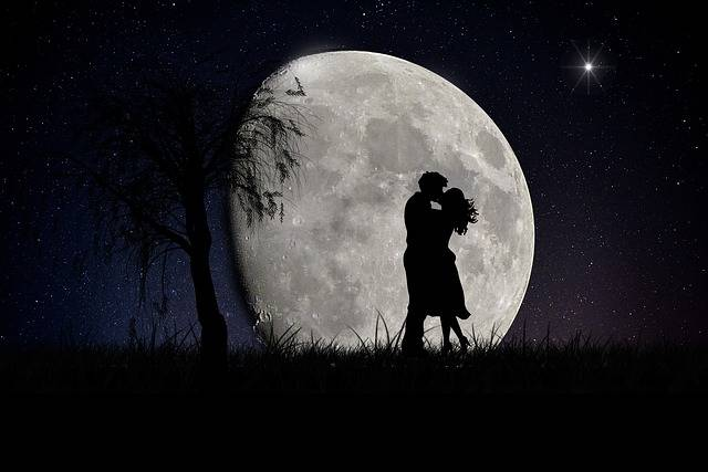 Moon Lovers Moonscape - Free image on Pixabay (95990)