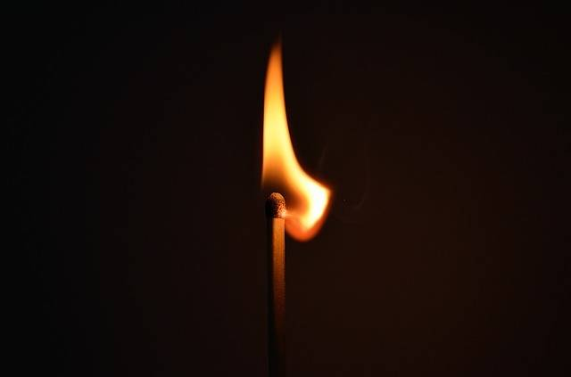 Matchstick Fire Light - Free photo on Pixabay (97391)