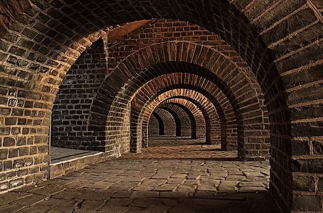 Vaulted Cellar Tunnel Arches - Free photo on Pixabay (105370)