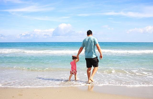 Father Daughter Beach - Free photo on Pixabay (121042)