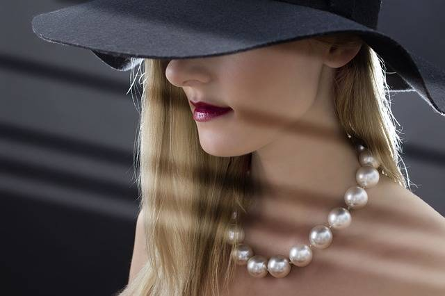 Woman Hat Pearls - Free photo on Pixabay (139962)