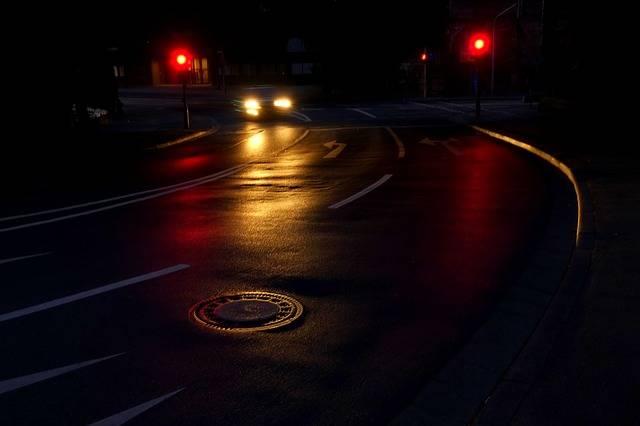 Road Night Light - Free photo on Pixabay (140357)