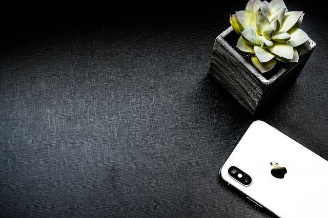 Table Iphone Cellular - Free photo on Pixabay (141029)