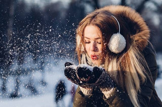 People Woman Cold - Free photo on Pixabay (162001)