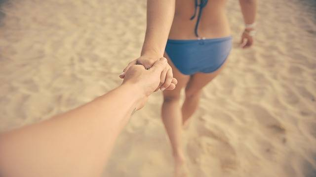Couple In Love Stand Hand - Free photo on Pixabay (172691)