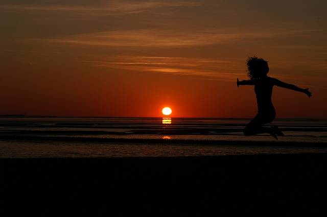 Sunrise Women'S Beach - Free photo on Pixabay (173177)