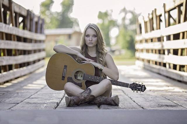 Guitar Country Girl Acoustic - Free photo on Pixabay (178317)