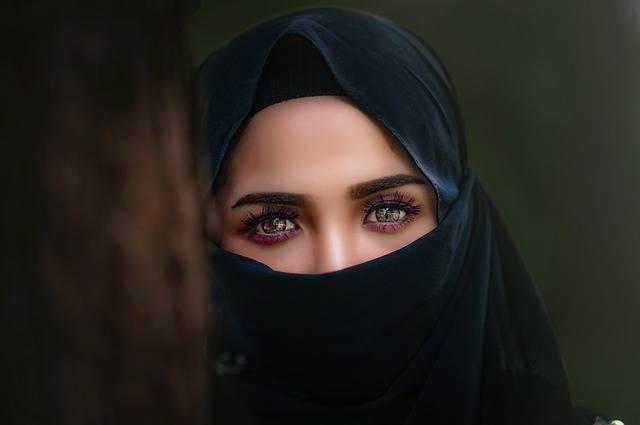 Hijab Headscarf Portrait - Free photo on Pixabay (180779)