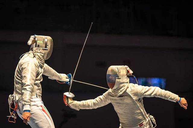 Fencing People Playing - Free photo on Pixabay (200901)