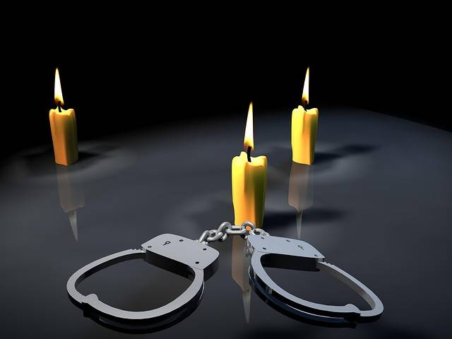 Handcuffs Candles Shackles - Free photo on Pixabay (204452)