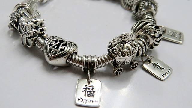 Sterling Silver Jewelry - Free photo on Pixabay (211824)