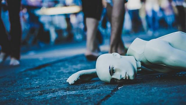 Mannequin Lying Down Street - Free photo on Pixabay (228949)