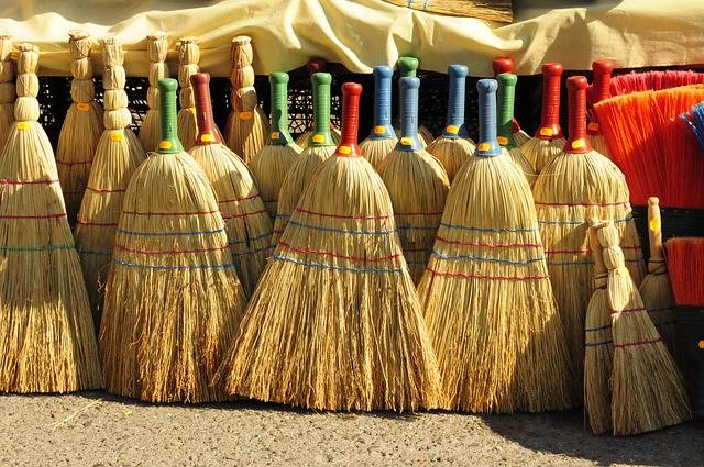 Market Brooms Sales - Free photo on Pixabay (240268)