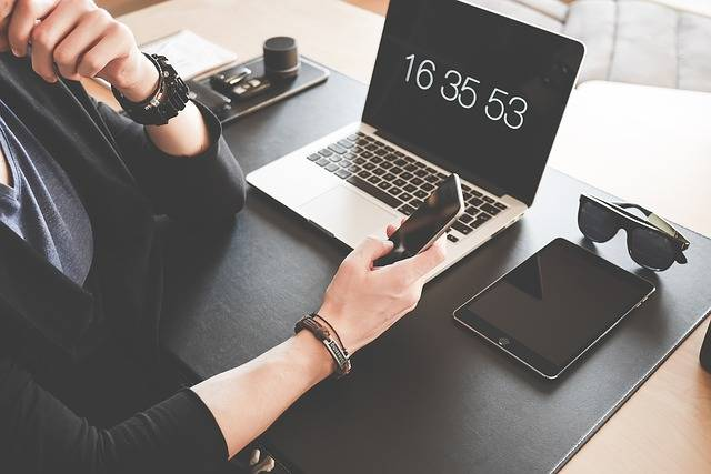 Home Office Computer Desk - Free photo on Pixabay (241014)