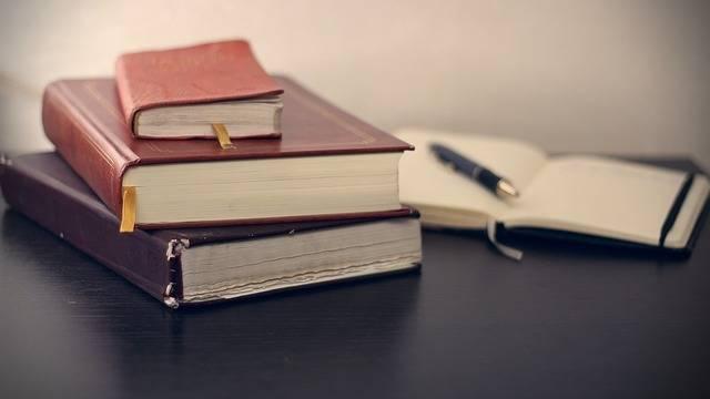 Books Notepad Pen - Free photo on Pixabay (247020)