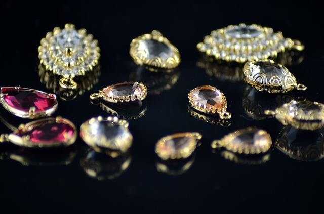 Gold Crystal Jewelry The - Free photo on Pixabay (269870)