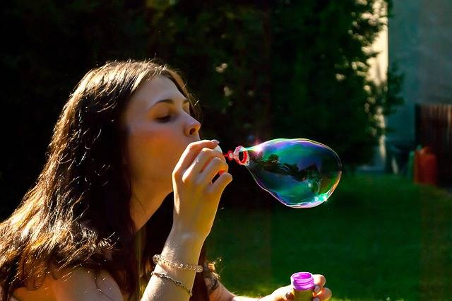 Blowing Soap Bubbles - Free photo on Pixabay (280829)