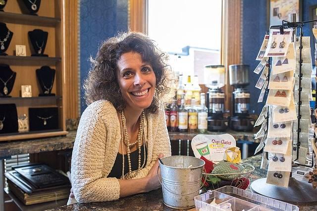 Smiling Woman Coffee Shop Cafe - Free photo on Pixabay (287193)