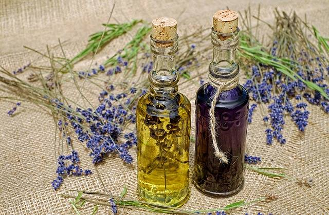 Bath Oil Lavender Fragrant - Free photo on Pixabay (320115)