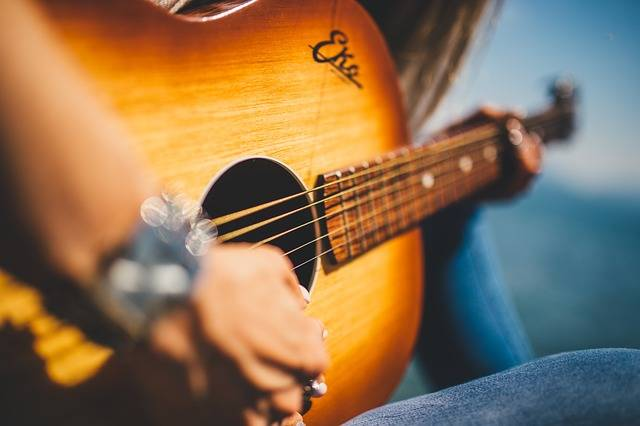 Guitar Music Female - Free photo on Pixabay (361575)