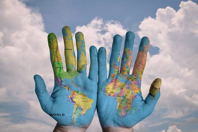 Hands World Map - Free photo on Pixabay (369137)