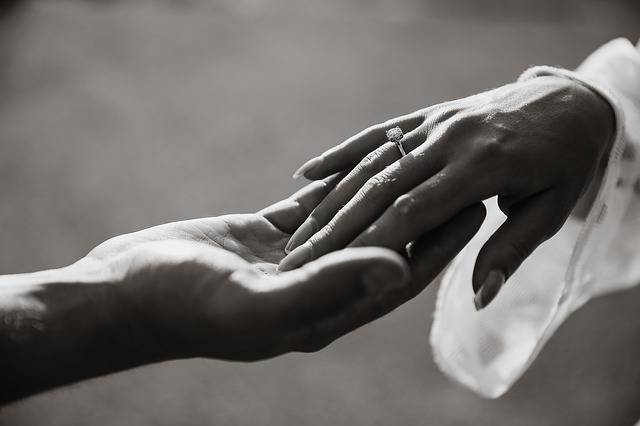 Hands Ring Hand - Free photo on Pixabay (374203)