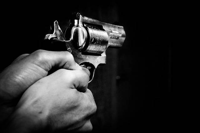 Gun Hands Black - Free photo on Pixabay (379335)