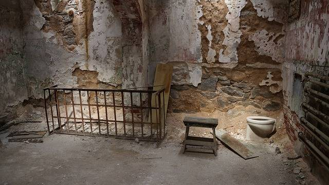 Prison Ruin Cell - Free photo on Pixabay (379383)