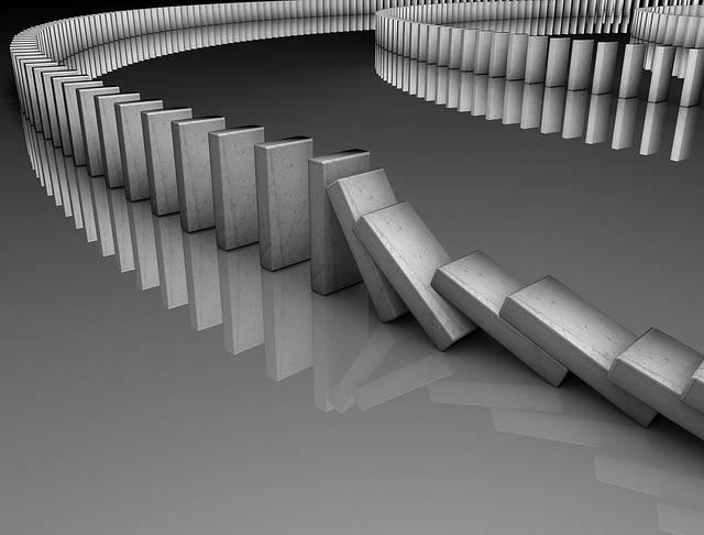 Domino Game Falling - Free image on Pixabay (387106)