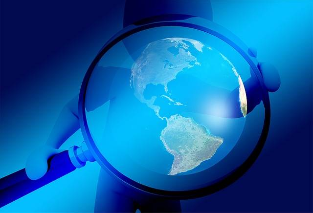 Hand Magnifying Glass Earth - Free image on Pixabay (390690)