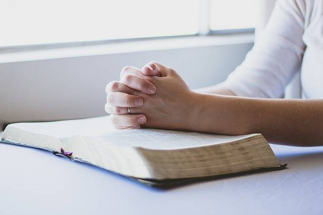 Prayer Bible Christian Folded - Free photo on Pixabay (392685)