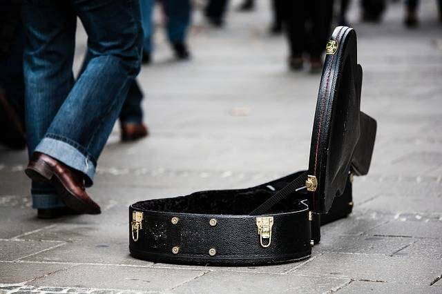 Guitar Case Street Musicians - Free photo on Pixabay (406626)