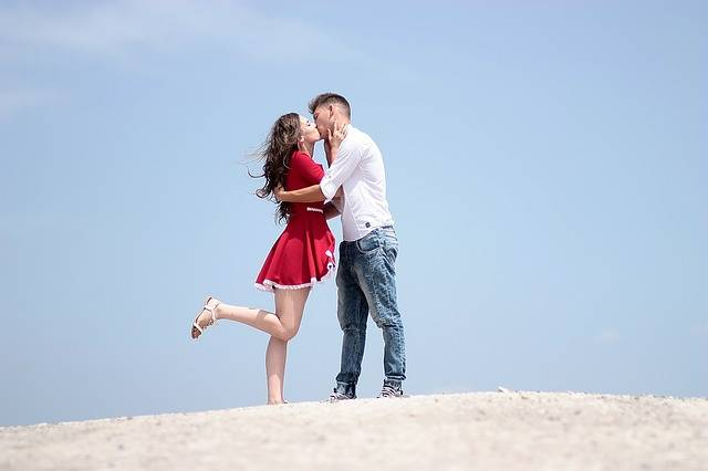 Couple Love Kiss - Free photo on Pixabay (450688)