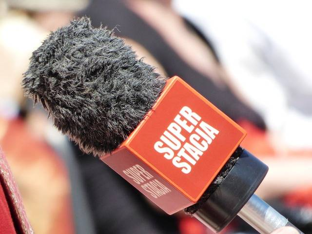 Microphone Reporter Interview - Free photo on Pixabay (497568)