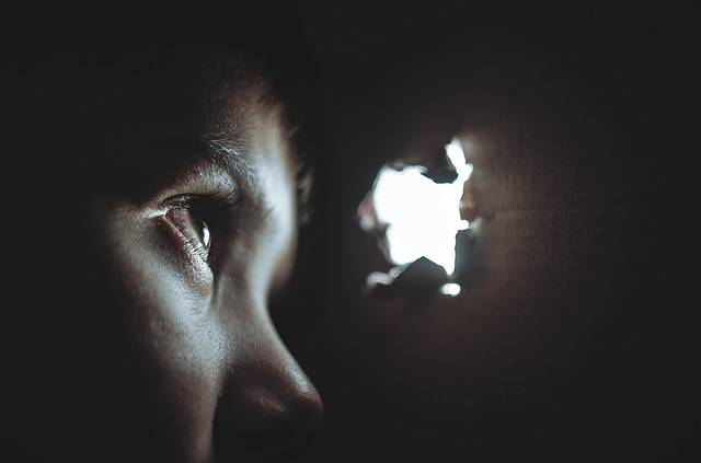 Hiding Boy Girl - Free photo on Pixabay (500454)