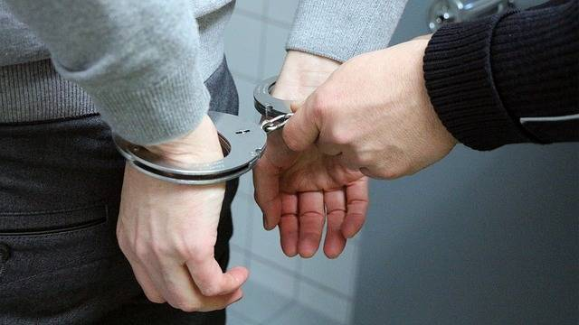 Handcuffs Trouble Police - Free photo on Pixabay (505414)