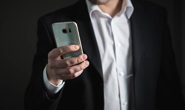 Businessman Smartphone Phone - Free photo on Pixabay (522025)