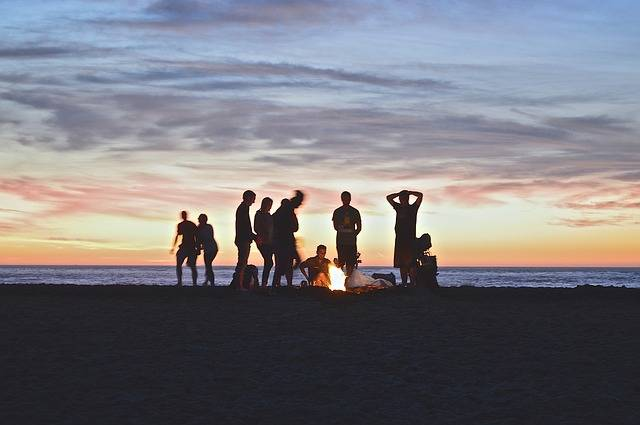 Campfire Beach People - Free photo on Pixabay (533529)